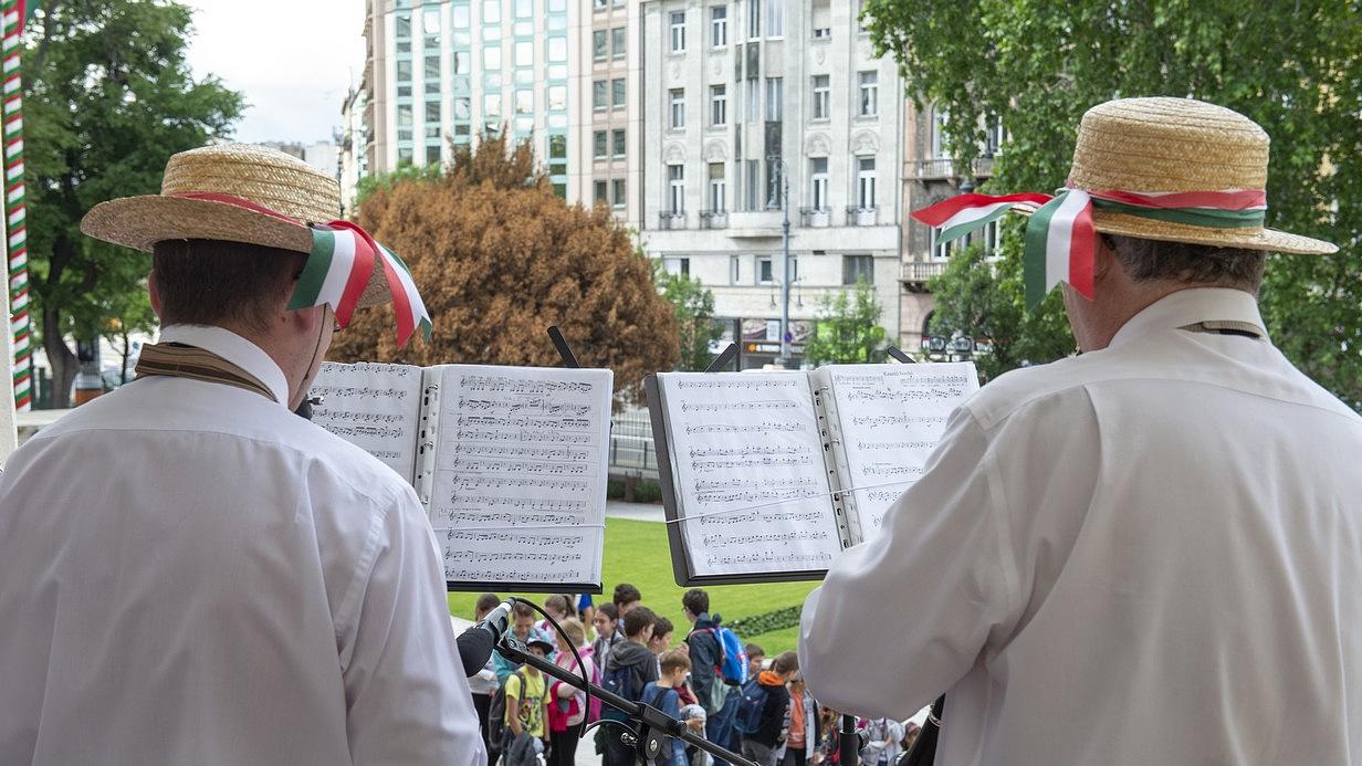Újra zene tölti meg Budapest számos közterét
